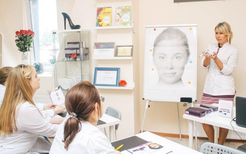 Курс косметолог-визажист-стилист